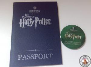 Pasaporte y chapa de los estudios de Harry Potter en Londres