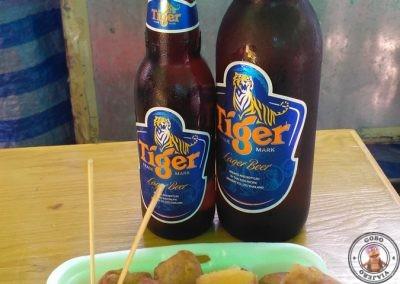 Calle Khao San Road - Rollitos y cerveza