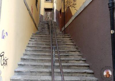 Escaleras en la subida al Mirador