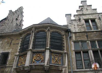 Interior del Het Steen el castillo de Amberes