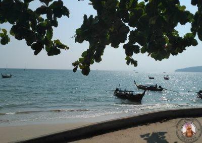 Playa de Ao Nang desde donde salen los longtail a Railay