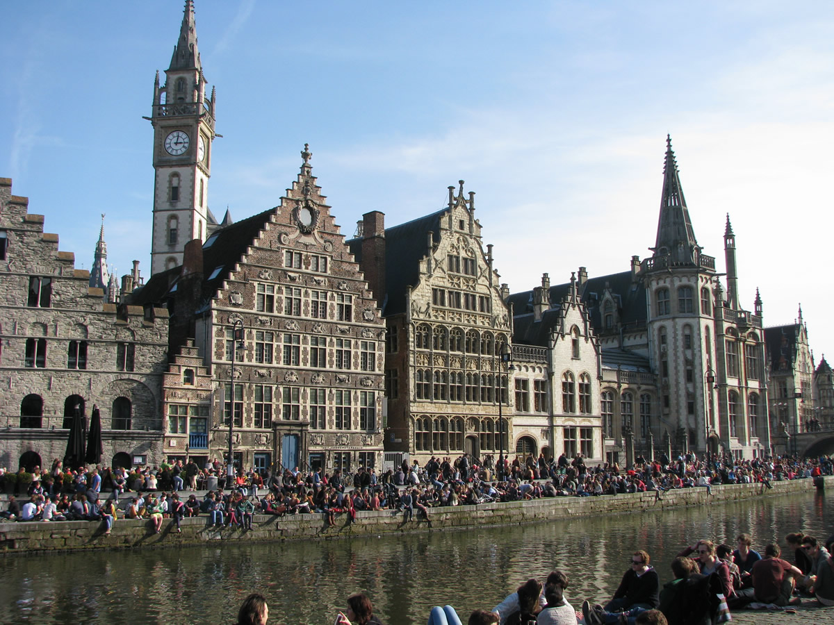Visitas imprescindibles en Gante - Graslei y Korenlei