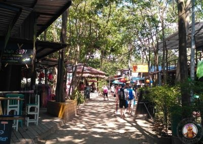 Zona de bares y restaurantes entre Railay West y Railay East