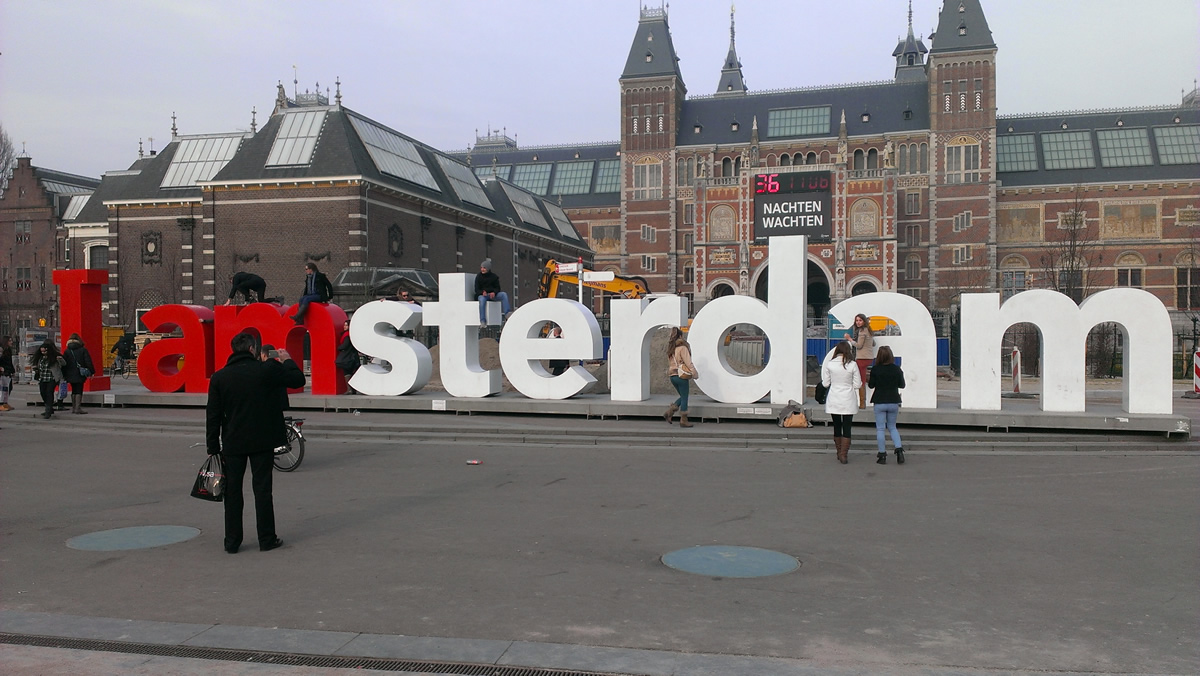 I Amsterdam junto al Rijksmuseum