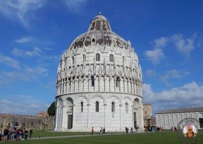 Baptisterio en la Piazza Miracoli