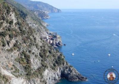Vistas de Vernazza según avanza el sendero hacia Monterosso