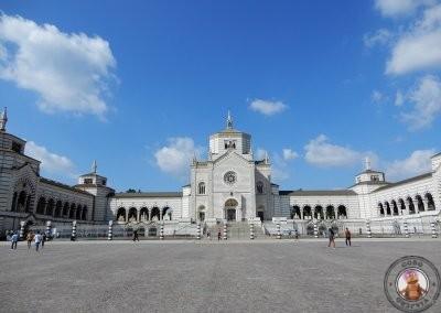 Exterior del Cementerio Monumental de Milán