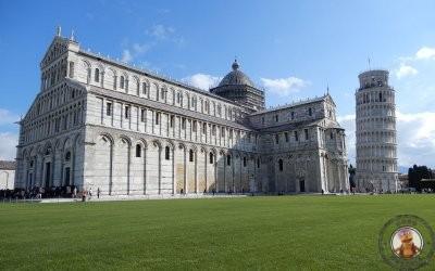 Plaza Miracoli y Torre inclinada de Pisa