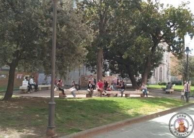 Pequeño parque junto a I Porci Comodi