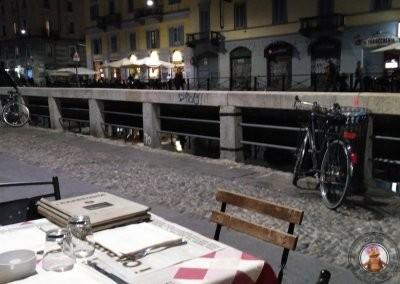 Vistas al canal Navigli desde la terraza del restaurante I Capatosta