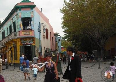 Artistas callejros en el Barrio de La Boca