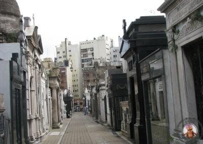 Pasillos del Cementerio de La Recoleta