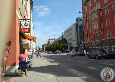 Cafetería al lado del hotel en Paul-Heyse Strasse