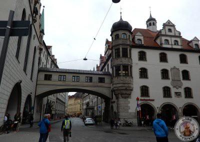 Llegar a Haxnbauer desde Marienplatz