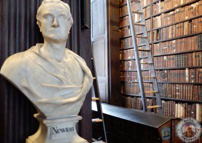 Busto de mármol de Newton