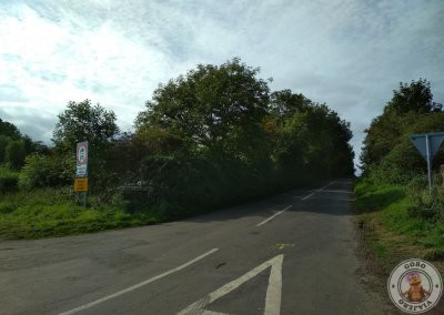 Acceso por el cruce entre Ballykenver Rd y Bregagh Rd