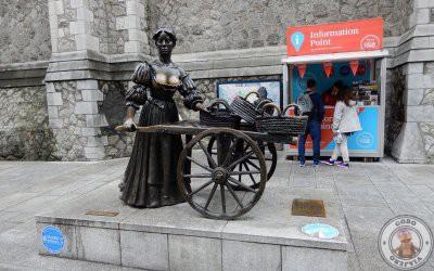 La estatua de Molly Malone en Dublín