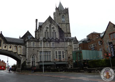 Puente en la Catedral Christ Church junto a Dublinia