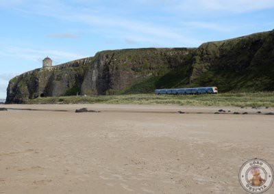 Tren recorriendo Downhill Beach