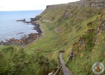 Escaleras del sendero rojo