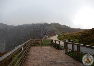 Mirador de acantilados Slieve League y camino de subida a la parte alta