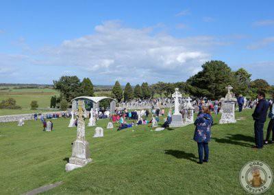 Asistentes a la misa por San Ciaran el día de peregrinación anual