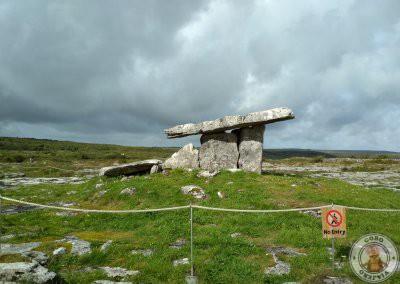 Área delimitada alrededor de dolmen