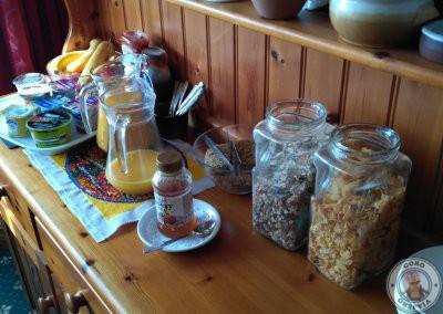 Además del desayuno caliente se podía tomar zumo, yogures y cereales