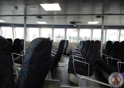 Asientos en el interior del barco