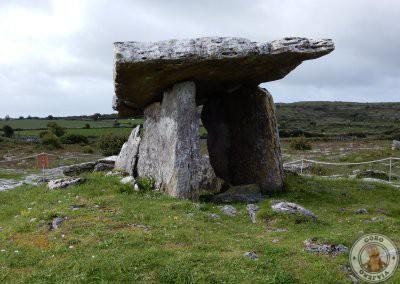 Lateral del Poulnabrone dolmen