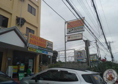 Casa de cambio en Alona Beach. Palawan Pawnshop Alona Panglao