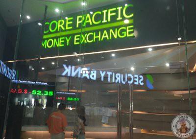Casa de cambio en el centro comercial Island Central Mactan