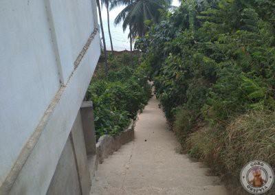 Escaleras de bajada a la playa de Las Cabañas Beach