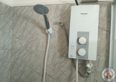 Calentador de agua en la ducha