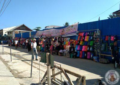 Comprar mochilas y bolsas estancas en El Nido cerca de el puerto
