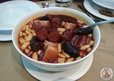 Fabada en el Restaurante Plaza en Nava