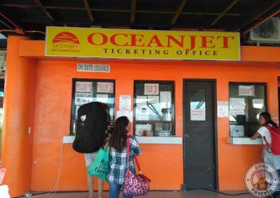 Ventanilla de compra de billetes de Oceanjet en Tagbilaran
