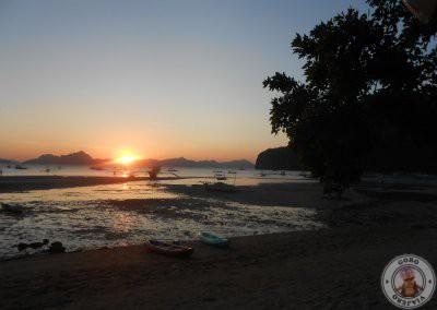 Atardecer en la playa de Corong Corong