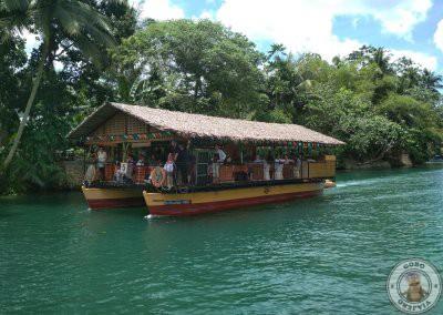 Crucero por el río Loboc con comida en el barco