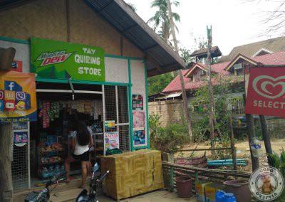 Tienda en la carretera general de Corong Corong