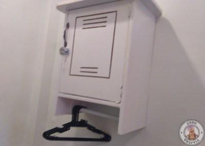 Taquilla con llave en el interior de la habitación