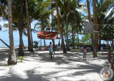 Cancha de baloncesto en Guyam Island